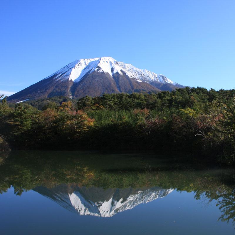 Mt-Daisen-Trek